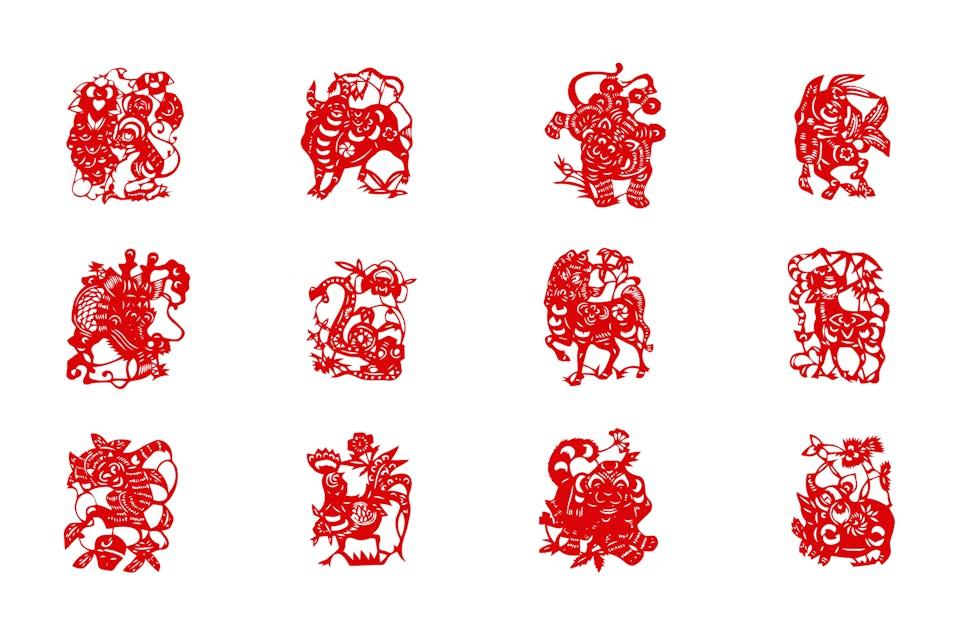 Potongan kertas zodiak Cina.