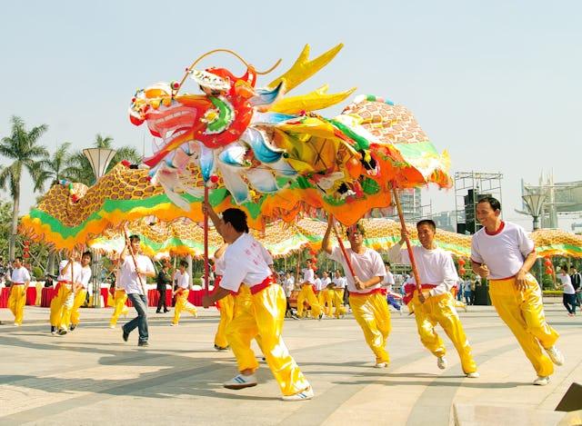 Chinese New Year Lantern Festival dragon dance