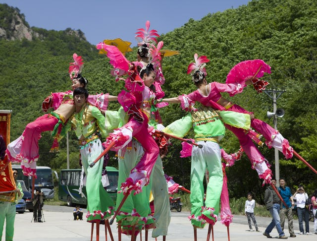 Chinese New Year Lantern Festival stilt performers