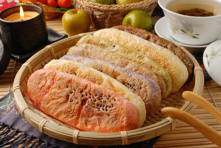 Chinese New Year ox tongue pastry